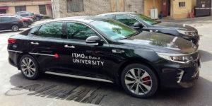 Изготовление рекламных наклеек на легковые автомобили